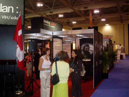 AIDS 2006: Canada Booth - Leading Together: Canada Takes Action on HIV/AIDS